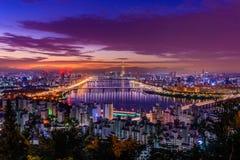 Skyline da cidade de Seoul Imagens de Stock Royalty Free