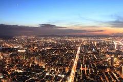 Skyline da cidade de Taipei.Panoramic no por do sol Foto de Stock Royalty Free