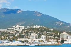 Skyline da cidade de Yalta em Crimeia em setembro Fotos de Stock
