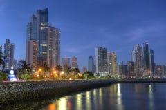 Skyline da Cidade do Panamá e baía de Panamá, América Central na TW Fotografia de Stock Royalty Free