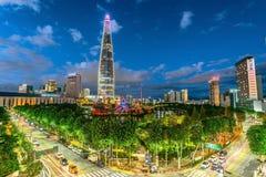 Skyline da cidade em Lotus Town Koreaseoul Coreia imagens de stock royalty free