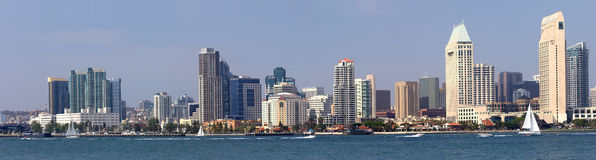 Skyline da margem do panorama de San Diego California. Imagem de Stock