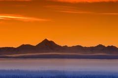 Skyline da montanha da manhã Fotos de Stock