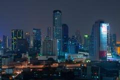 Skyline da noite de Banguecoque imagens de stock royalty free