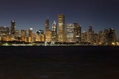 Skyline da noite de Chicago Foto de Stock
