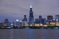 Skyline da noite de Chicago Fotografia de Stock