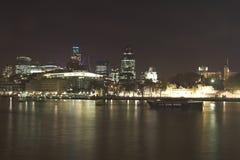 Skyline da noite de Londres Imagens de Stock