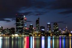Skyline da noite de Perth Imagem de Stock Royalty Free
