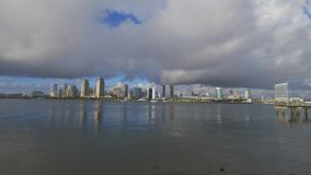 Skyline da opinião de ângulo larga de San Diego - CALIFÓRNIA, EUA - 18 DE MARÇO DE 2019 vídeos de arquivo