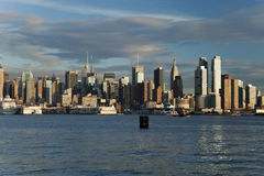 A skyline da parte alta da cidade de New York City Foto de Stock