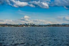 Skyline de Bellevue e cascatas 4 Imagens de Stock