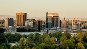 Skyline de Boise na luz do amanhecer que pinta o buildin Imagens de Stock