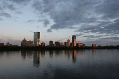 Skyline de Boston no por do sol Fotografia de Stock