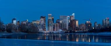 Skyline de Calgary no inverno imagem de stock royalty free