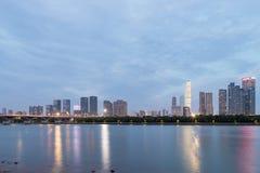 Skyline de Changsha no anoitecer fotos de stock