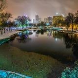 Skyline de Charlotte nc coberta na neve Fotos de Stock