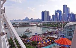 Skyline de Chicago da roda de ferris do cais da marinha Imagem de Stock