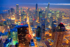 Skyline de Chicago na noite. Fotografia de Stock Royalty Free