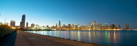 Skyline de Chicago no por do sol Fotografia de Stock Royalty Free