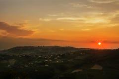 Skyline de Chieti Itália no por do sol Fotos de Stock Royalty Free