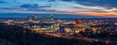 Skyline de Cincinnati, nascer do sol cênico, Ohio Imagem de Stock