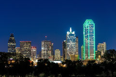 Skyline de Dallas City no crepúsculo Foto de Stock Royalty Free