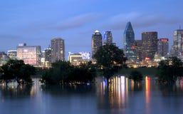 Skyline de Dallas na noite Imagem de Stock Royalty Free