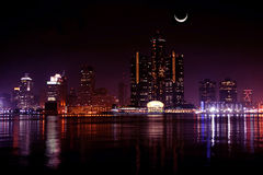 Skyline de Detroit na noite Fotos de Stock Royalty Free
