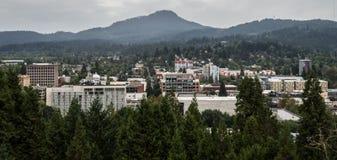Skyline de Eugene Oregon fotografia de stock