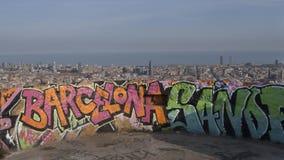 Skyline de grafittis de Barcelona imagens de stock