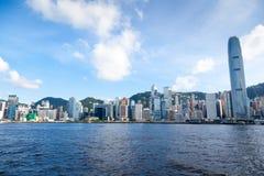 Skyline de Hong Kong em Victoria Harbor Imagens de Stock Royalty Free