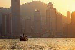 Skyline de Hong Kong no crepúsculo imagem de stock