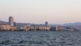 Skyline de Izmir Fotos de Stock Royalty Free