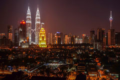 Skyline de Kuala Lumpur no crepúsculo. Imagens de Stock Royalty Free