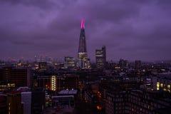 Skyline de Londres com vista do estilhaço fotos de stock