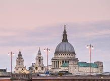Skyline de Londres em uma tarde do fim de novembro imagem de stock royalty free