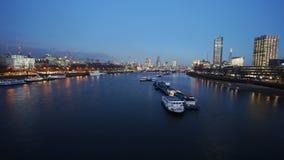 Skyline de Londres, opinião da noite Imagens de Stock Royalty Free