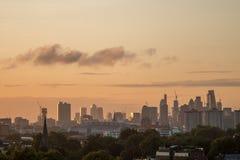 Skyline de Londres vista do monte da prímula Fotografia de Stock