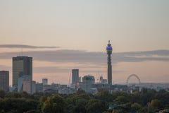 Skyline de Londres vista do monte da prímula Imagens de Stock