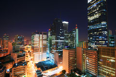 Skyline de Makati na noite Fotos de Stock Royalty Free