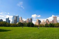 Skyline de Manhattan do Central Park Fotografia de Stock Royalty Free