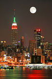 Skyline de Manhattan na Noite de Natal Imagens de Stock