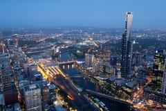 Skyline de Melbourne na noite Imagens de Stock Royalty Free