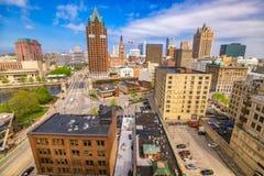 Skyline de Milwaukee, Wisconsin foto de stock