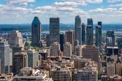 Skyline de Montreal do Belvedere de Kondiaronk imagem de stock