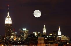A skyline de New York City fotografia de stock royalty free
