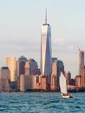 A skyline de New York City no por do sol Imagens de Stock