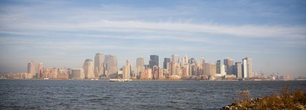 Skyline de New York City no por do sol da queda Imagem de Stock