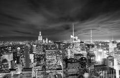 Skyline de New York na noite Fotos de Stock
