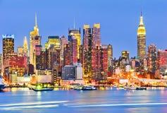 Skyline de New York no crepúsculo Foto de Stock Royalty Free